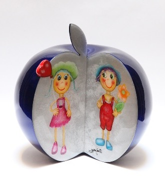 "Love apple - 9"" inch - Ceramic sculpture"